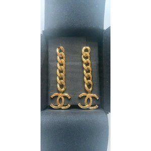 CHANEL 20P Chunky Gold Chain Dangle CC Earrings